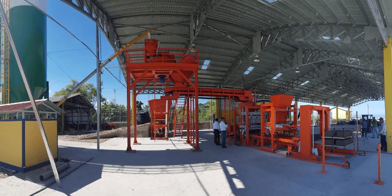 maquina de fabricar blocos de concreto automatica